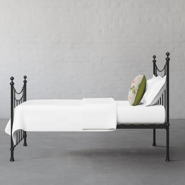ROBINSON METAL BED COLLECTION 4