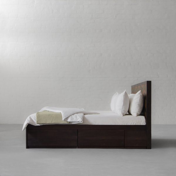 GEORGE BED COLLECTION 5