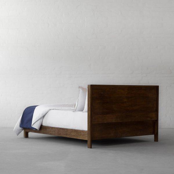HOMETOWN BED 5
