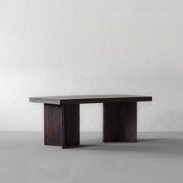 MARYLAND DINING TABLE 4