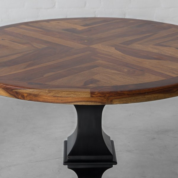 NORTH BONNEVILLE ROUND DINING TABLE 2