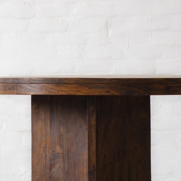 MARYLAND ROUND DINING TABLE 5