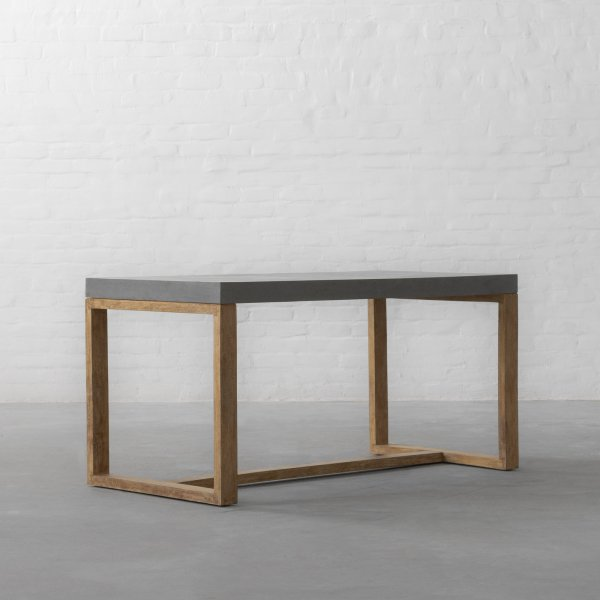 WELLINGTON TABLE 3