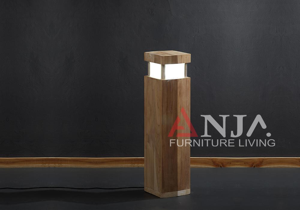 Merlion Outdoor Lamp 1