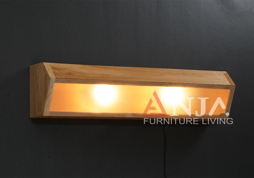Midleton Wall Lamp 1